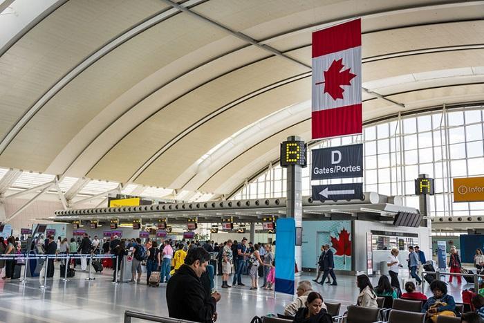 CANADA ĐÃ CHO PHÉP SINH VIÊN QUỐC TẾ BAY VÀO CANADA